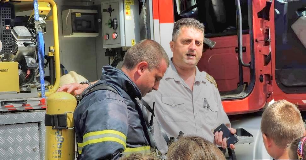"""Практическо занятие """"Земетресение, евакуация, последвал пожар, изнасяне на пострадали ученици и оказването им на първа медицинска помощ"""""""