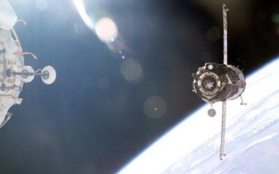 На 15 януари 1969 се извършва първото скачване на два пилотирани космически корабa